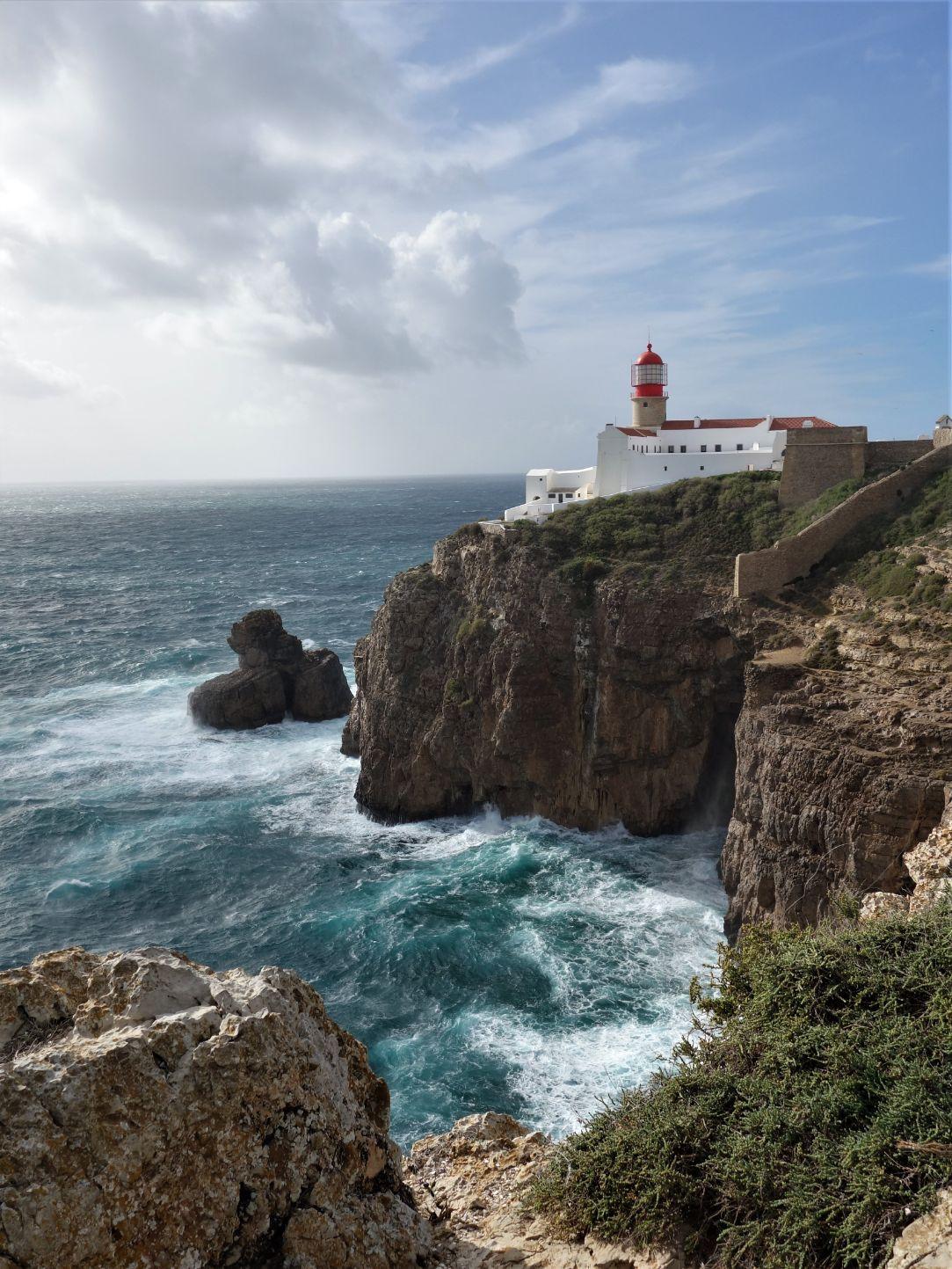 Mys Cabo de Sao Vicente a divoký Atlantik