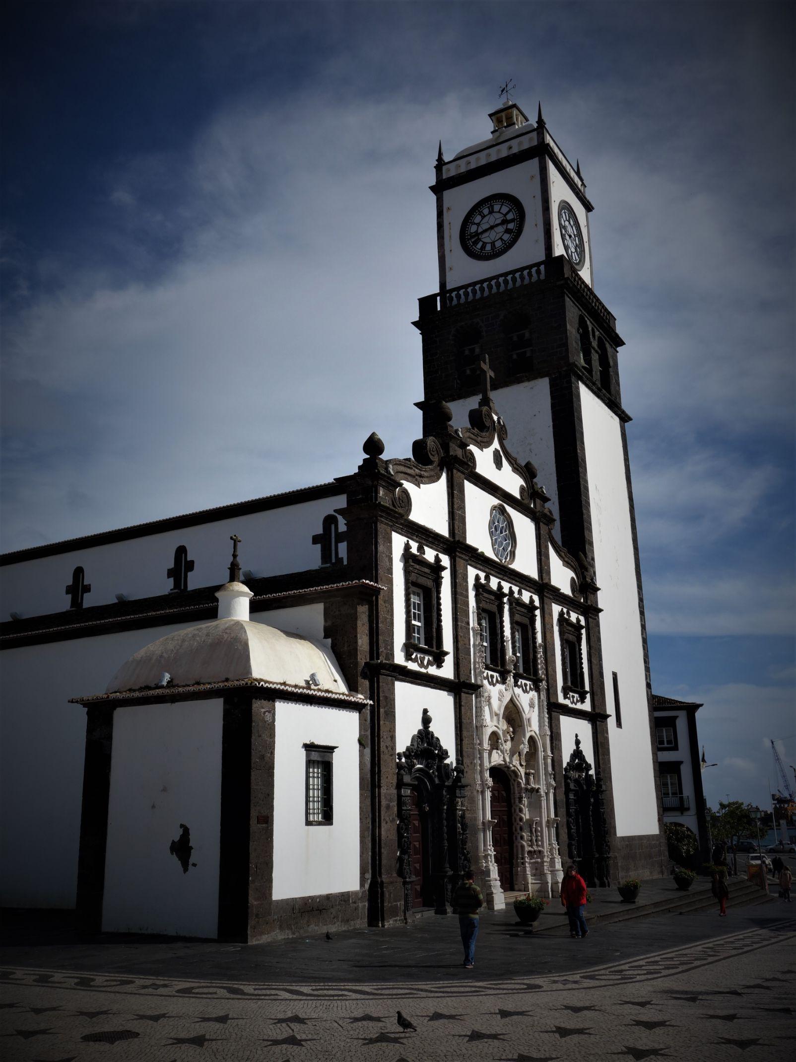 Centrální náměstí v Ponta Delgadě