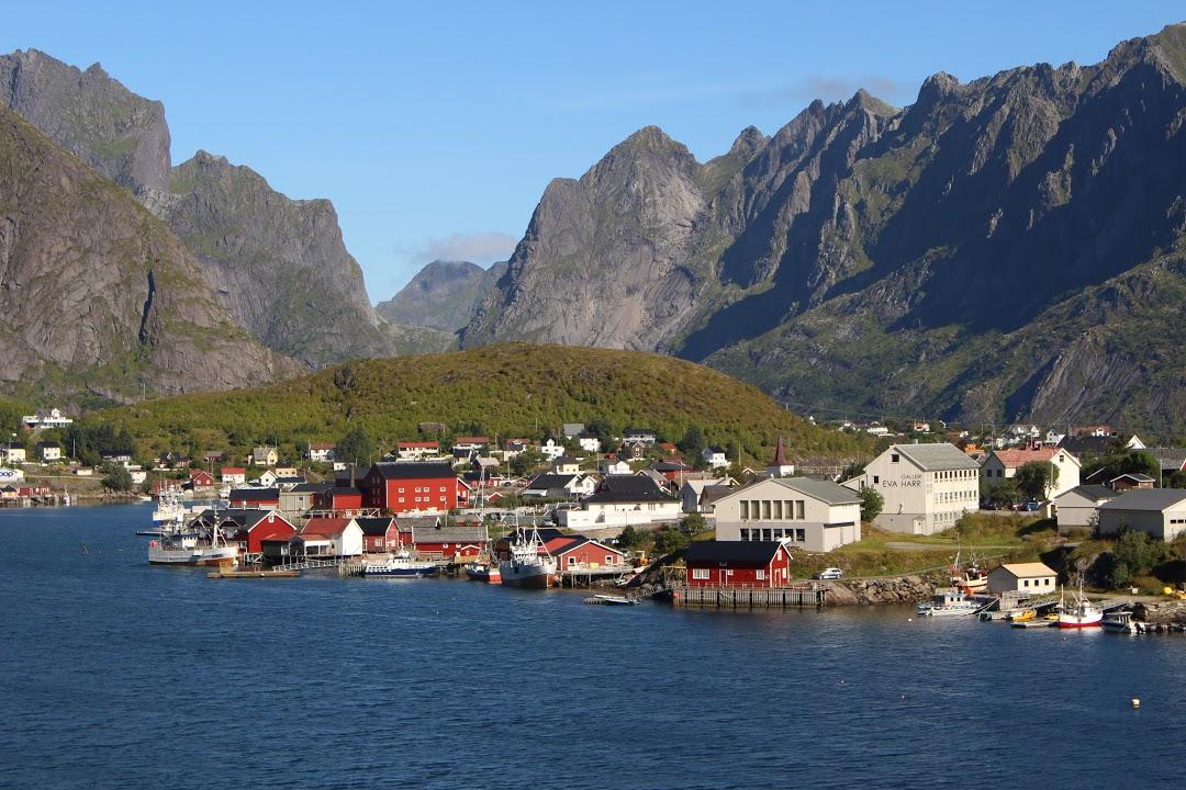 Vesnice na kraji fjordu