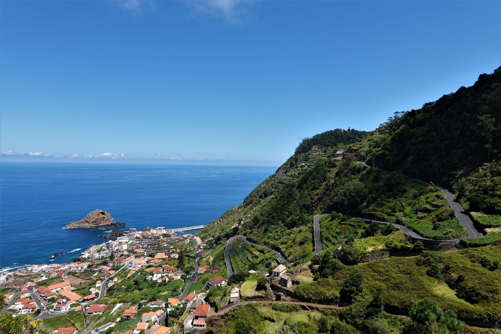 Porto Moniz - klid a nádherná panoramata na madeirském severozápadě