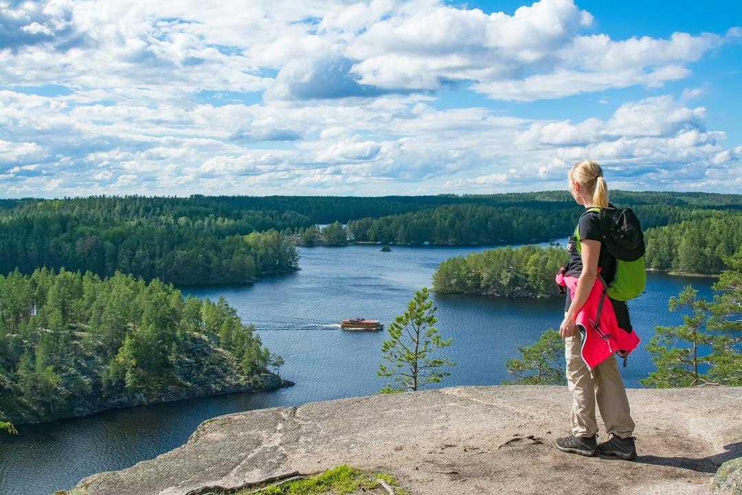 Nenáročné vycházky v jezerní oblasti letního Finska