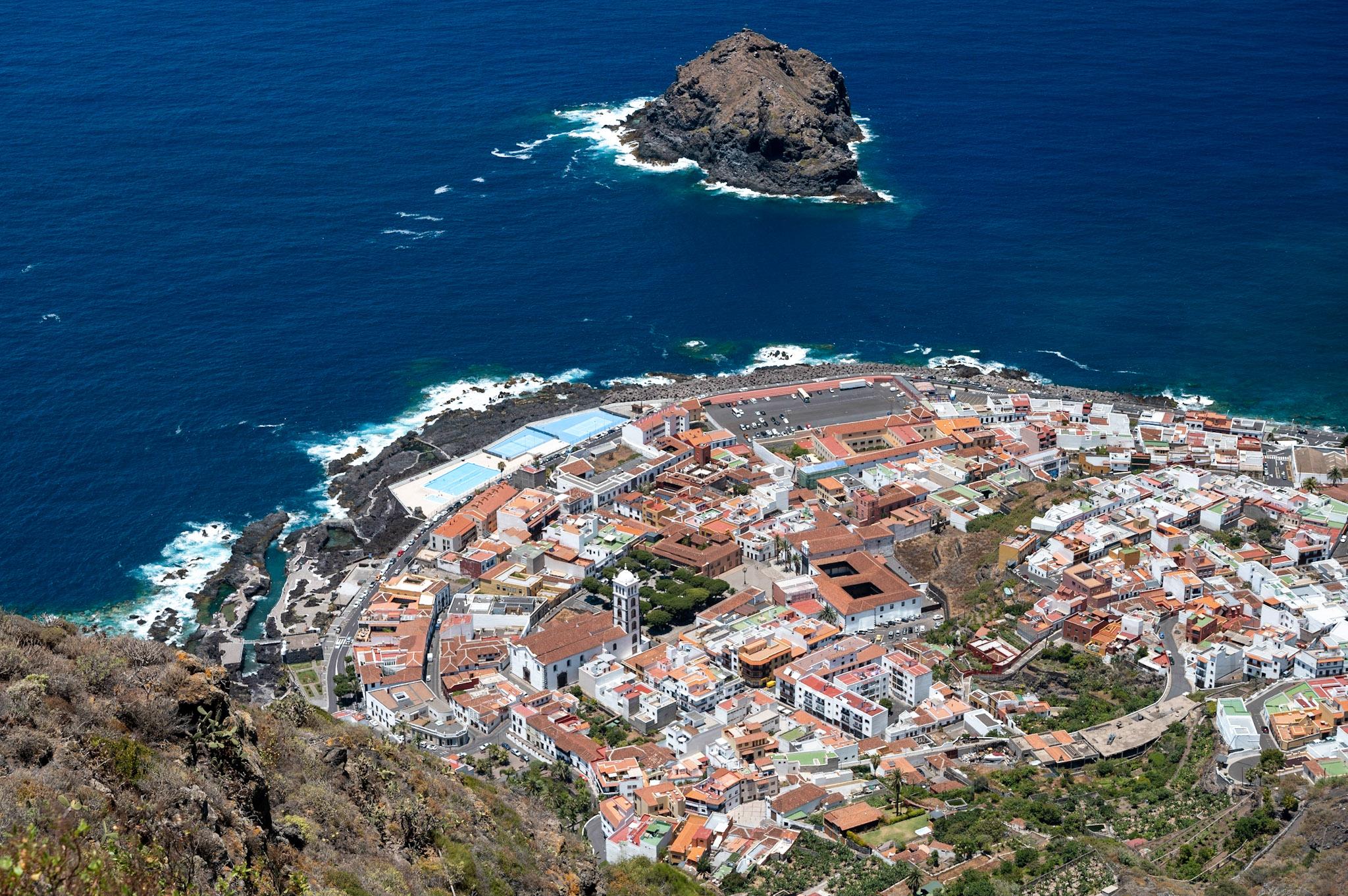 Vesnice Garachico a lávové pobřeží