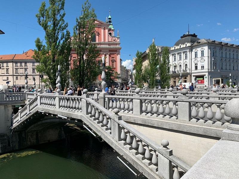 Plečnikovo Trojmostí ve slovinském hlavním městě Lublani