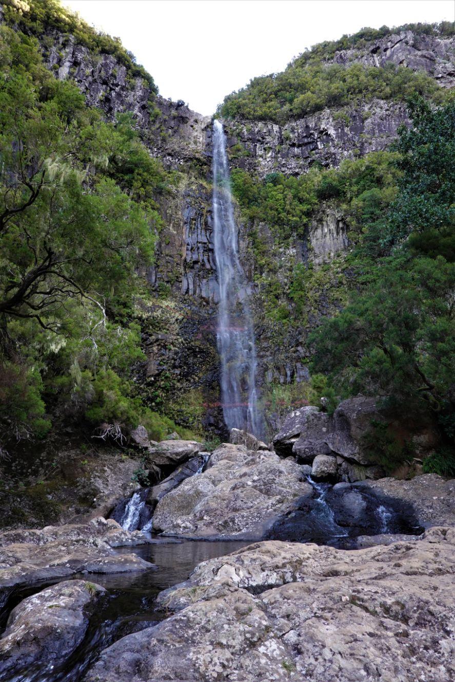 Vodopád u jezírka Lagoa do Vento