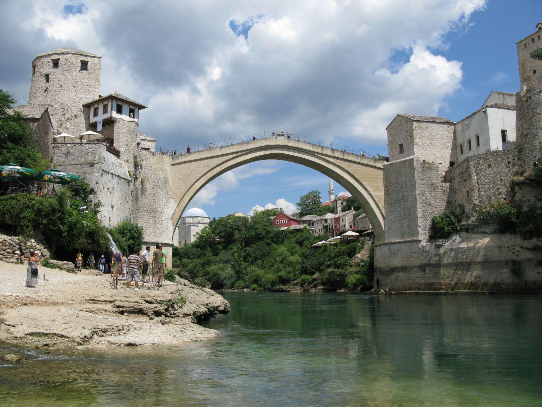 Starý most na řece Neretvě v Mostaru