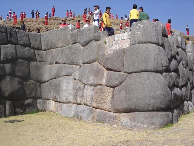 Pevnost Sacsayhuaman vévodící Cuzcu