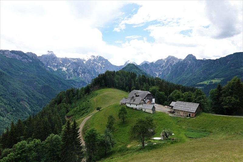 Solčavská panoramatická cesta v nitru Kamnicko-Savinjských Alp