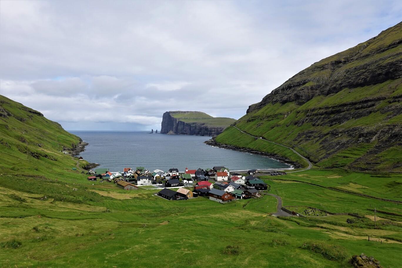 Vesnička Tjornuvík na ostrově Streymoy