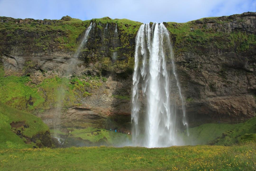 Vodopád Seljalandfoss