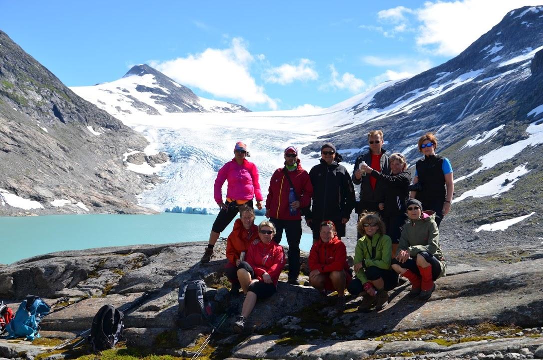 Údolím Erdalen až k ledovci
