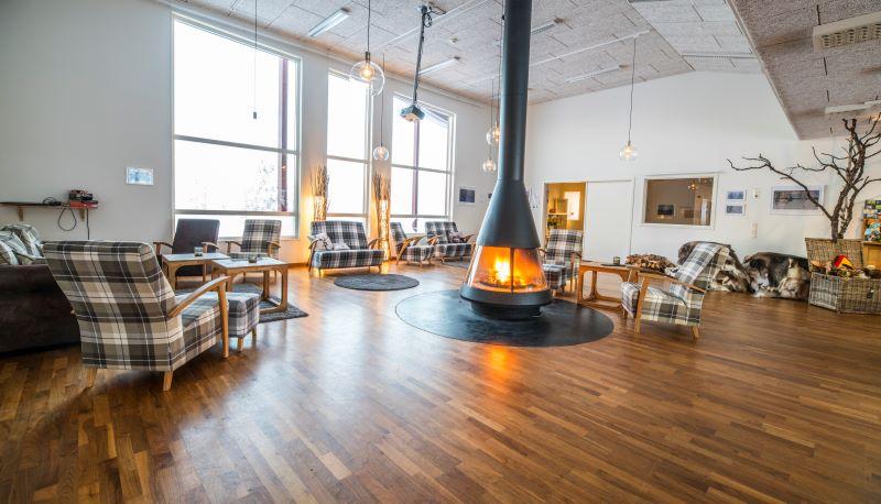 Aurora Mountain Resort, společenská místnost