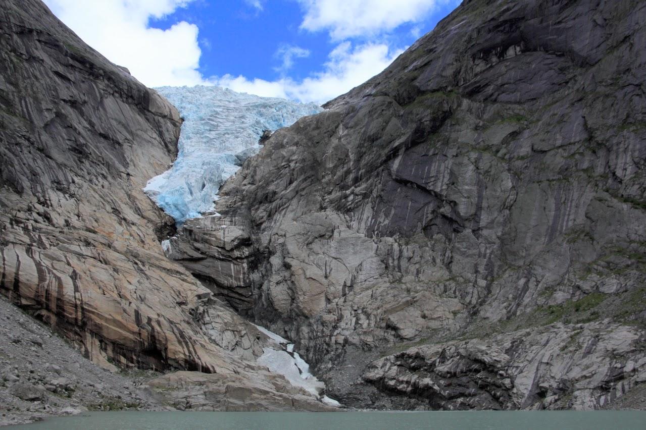 Ledovcový splaz Briksdalsbreen