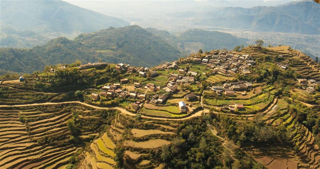 NEPÁL - SVĚT OSMITISÍCOVELs nenáročným okruhem pod Annapurnou (192100)