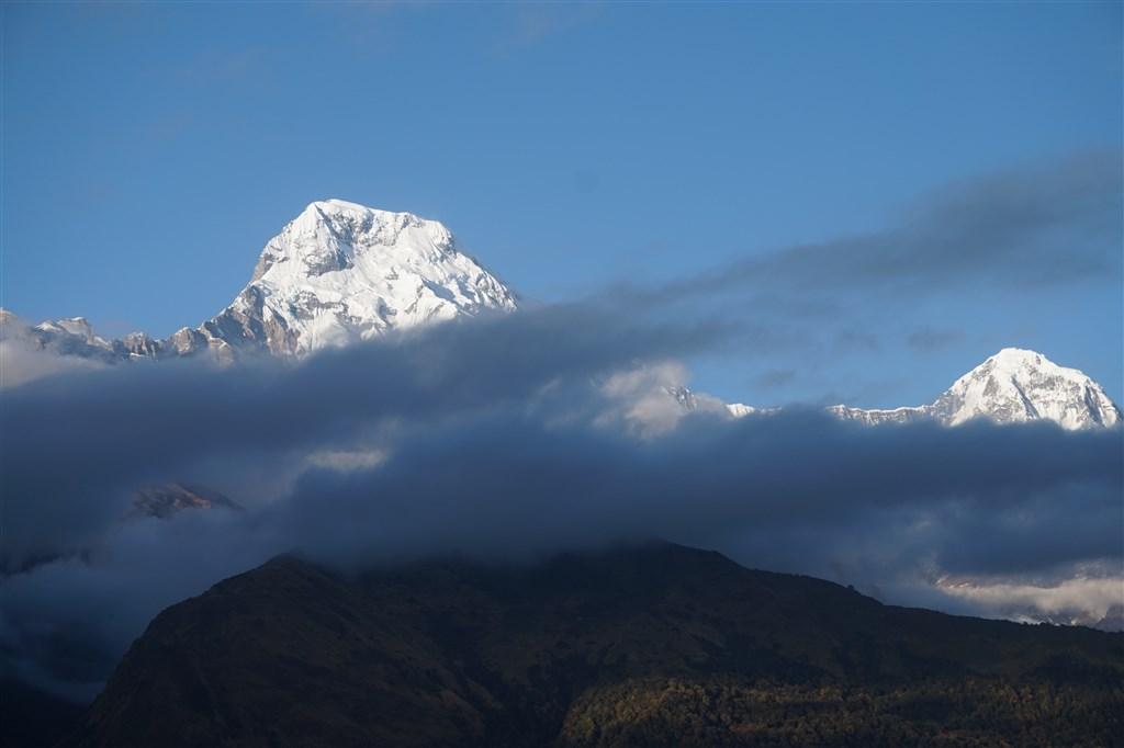NEPÁL - SVĚT OSMITISÍCOVELs nenáročným okruhem pod Annapurnou (199364)
