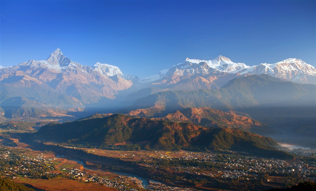 NEPÁL - SVĚT OSMITISÍCOVELs nenáročným okruhem pod Annapurnou (295196)