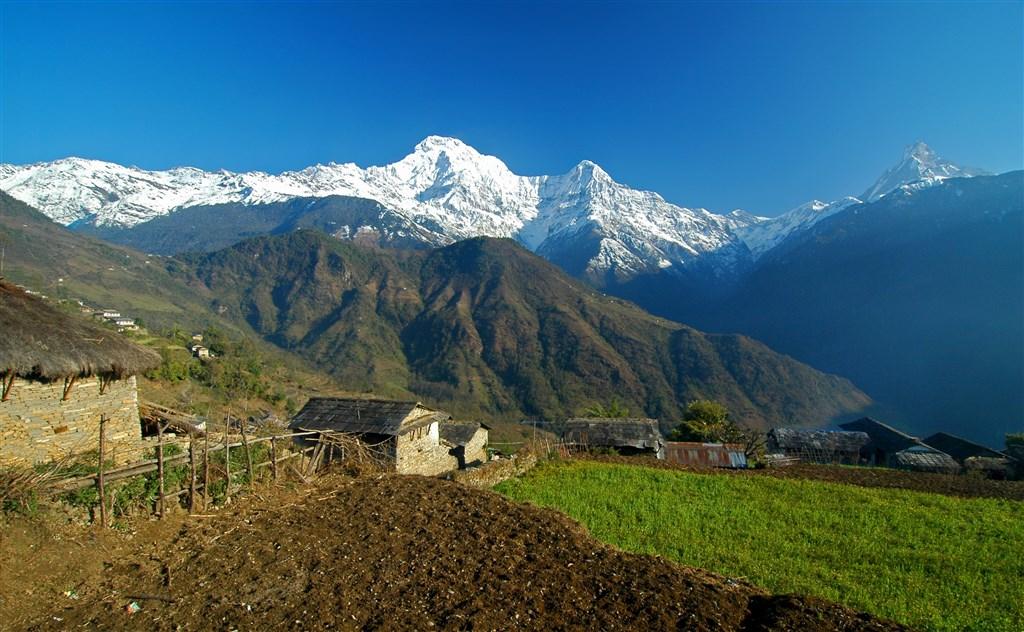 NEPÁL - SVĚT OSMITISÍCOVELs nenáročným okruhem pod Annapurnou (295197)