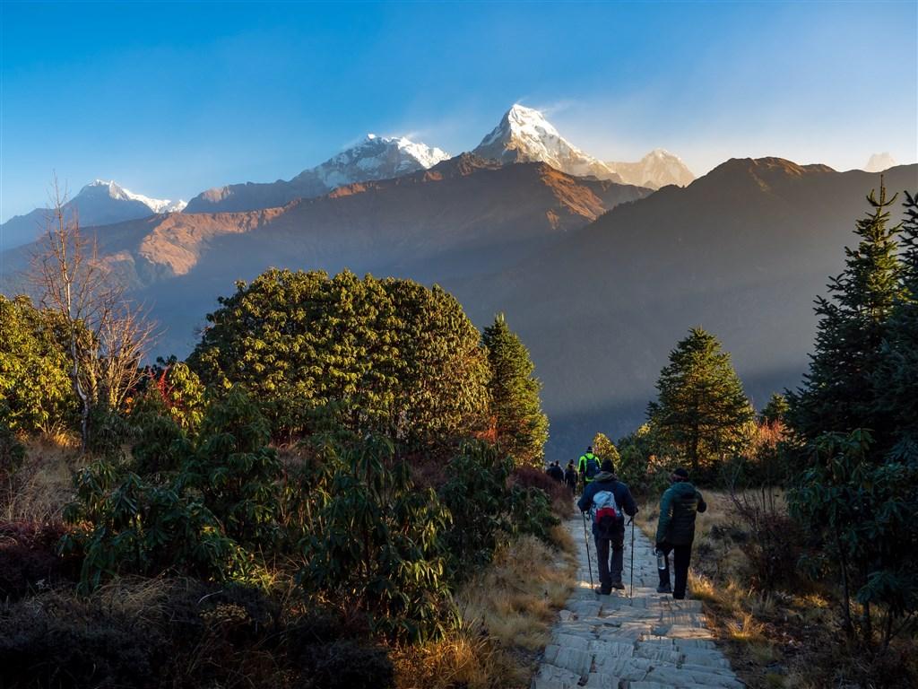 NEPÁL - SVĚT OSMITISÍCOVELs nenáročným okruhem pod Annapurnou (295198)