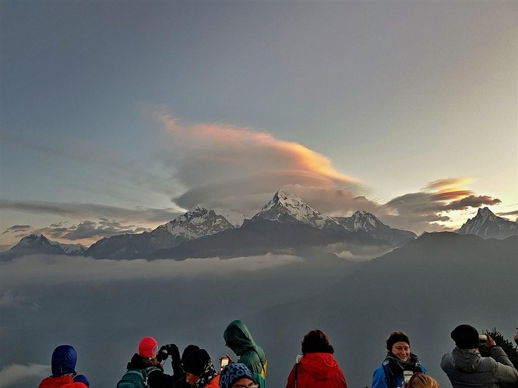 NEPÁL - SVĚT OSMITISÍCOVELs nenáročným okruhem pod Annapurnou (295203)