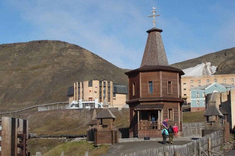 Druhé největší město Špicberk - Barentsburg