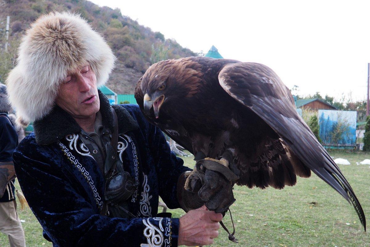 Kazachstan - sokolník s orlem