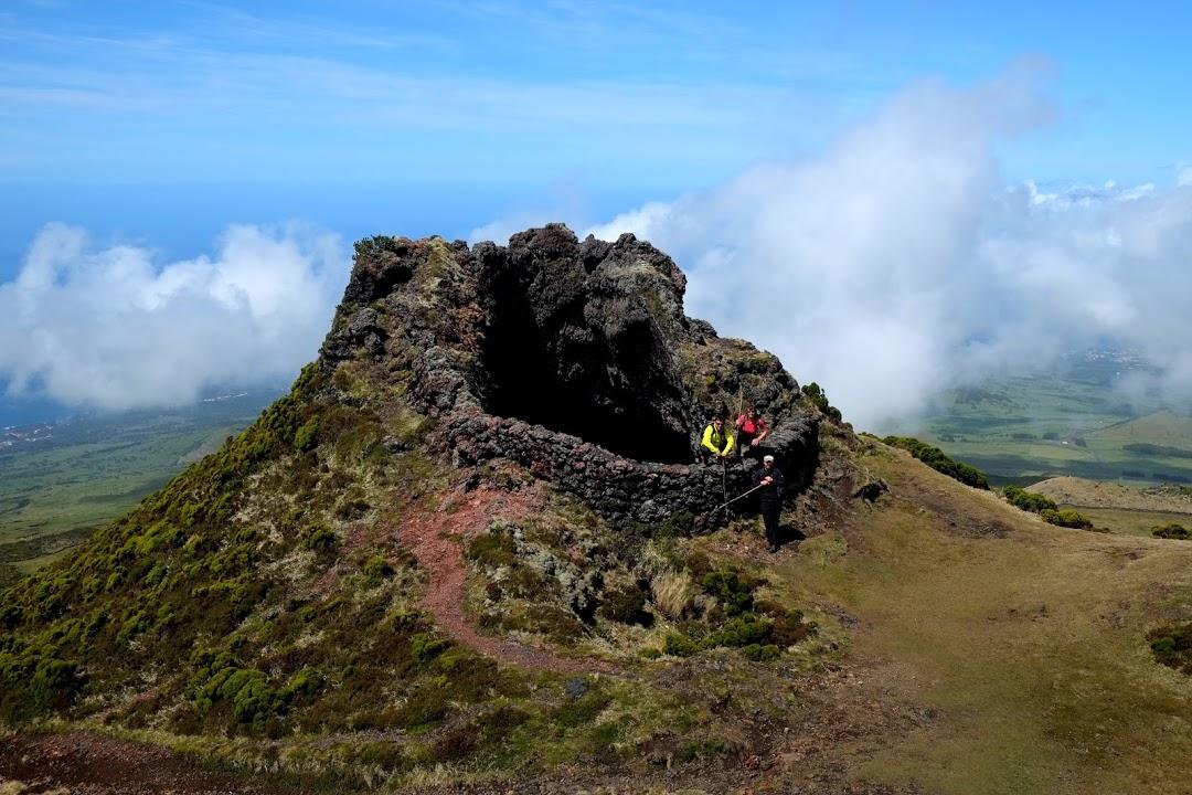 Kráter cestou na horu Pico