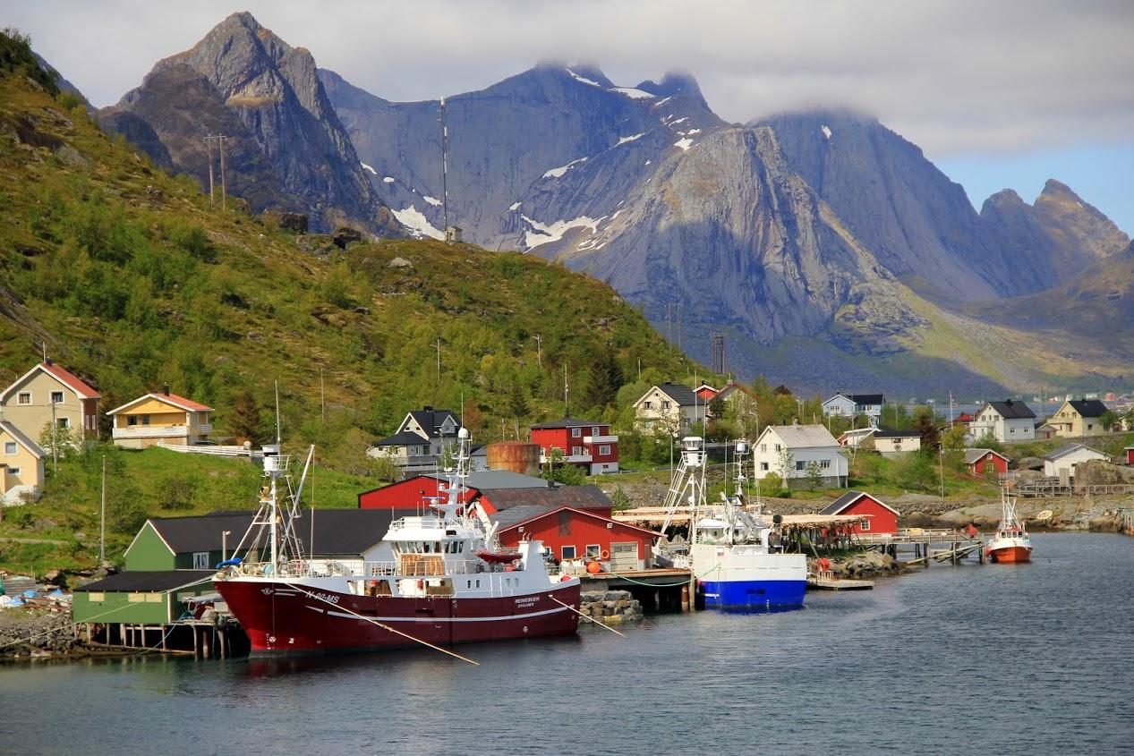 Lodní přístav na Lofotech