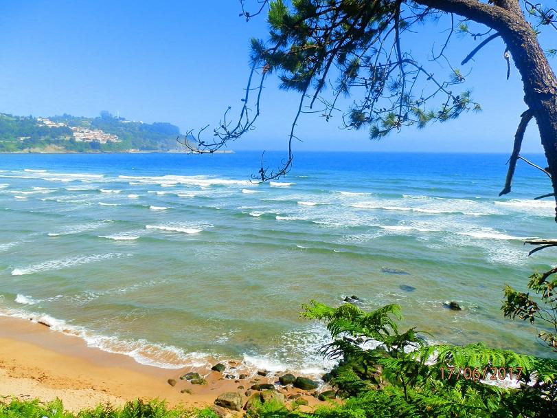 Pláž u malebné vesničky Cudillero Asturias