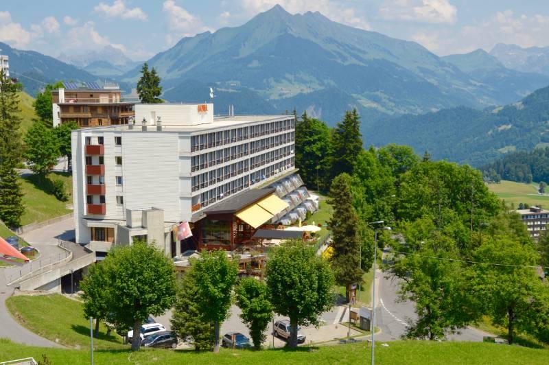 Místo pobytu - hotel v obci Leysin.