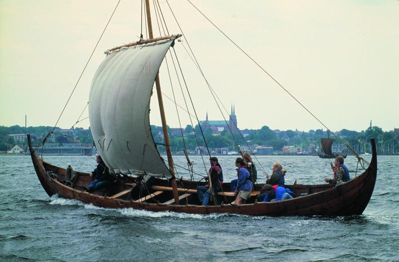 Plavení se na vikingské lodi v Roskilde Fjord