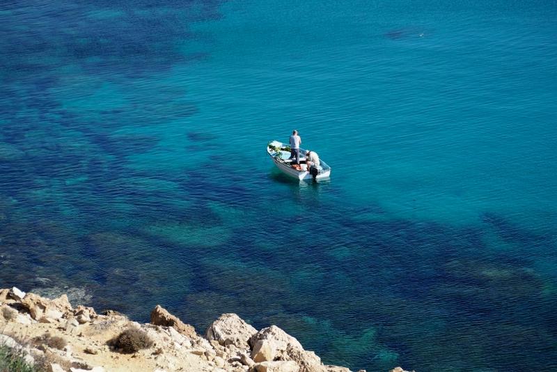 Průzračné moře zve nejen k rybaření