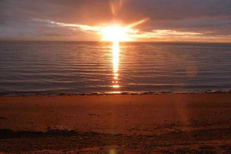 Půlnoční slunce na Špicberkách