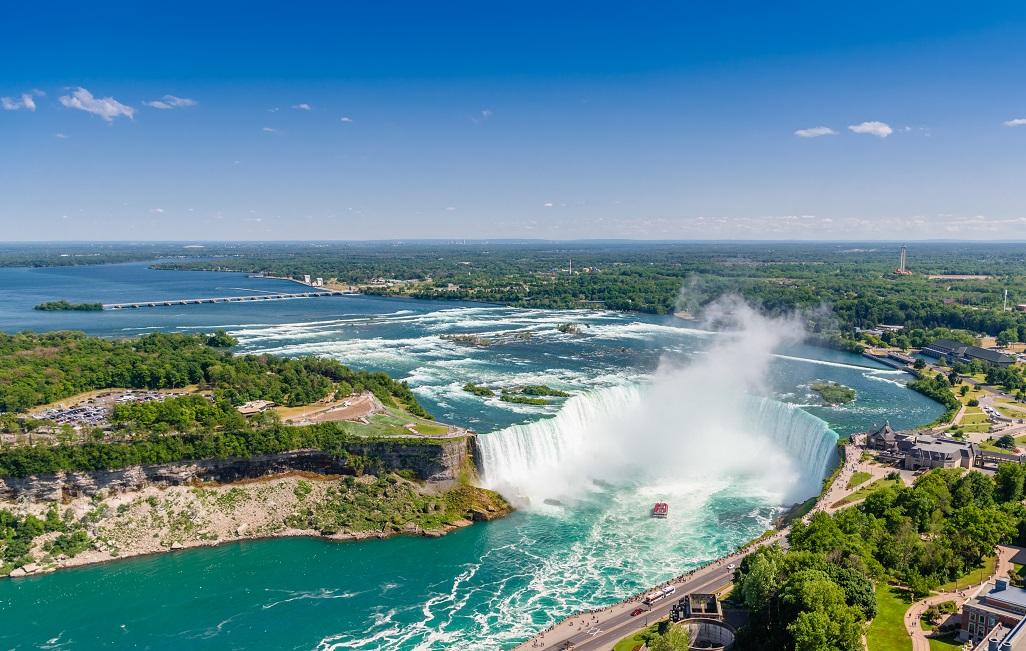 Niagarské vodopády z kanadské strany