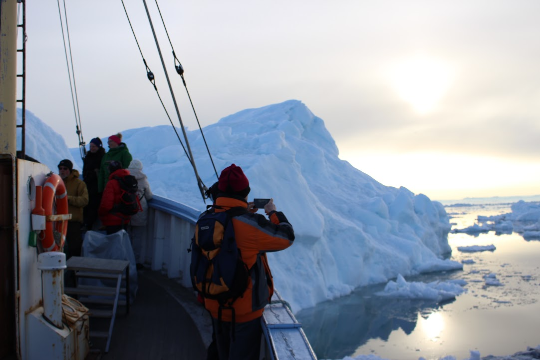 Grónsko / Plavba mezi ledovými krami