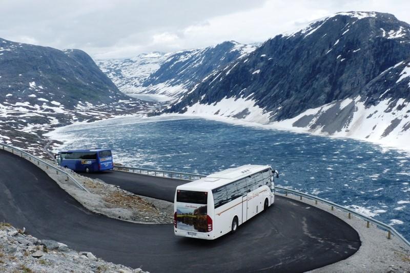 Cesta z vyhlídkové hory Dalsnibba
