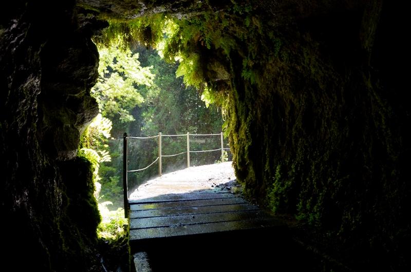 Madeira / Některé levády jsou mírně adrenalinovým zážitkem.