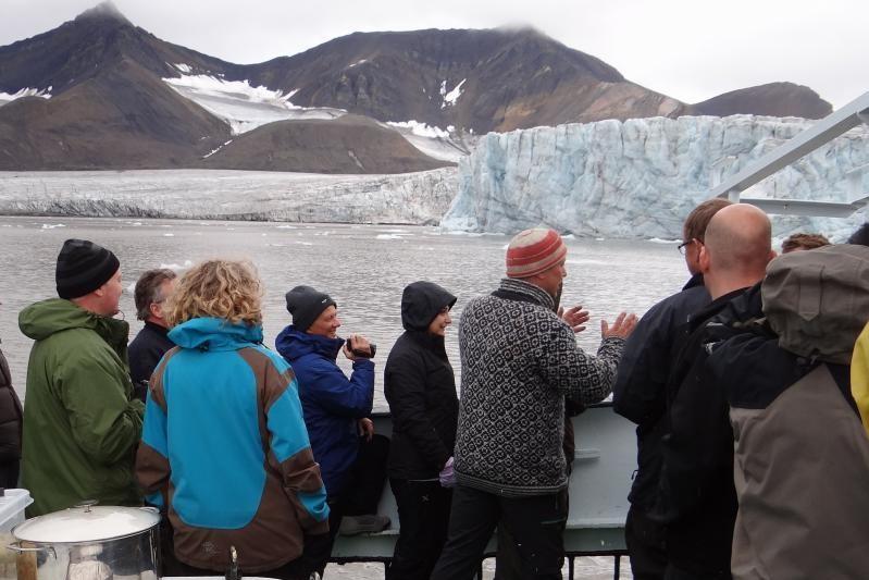 Norsko - celodenn� plavba po fjordu Isfjorden, do Barentsburgu a k �elu ledovce Esmarksbreen