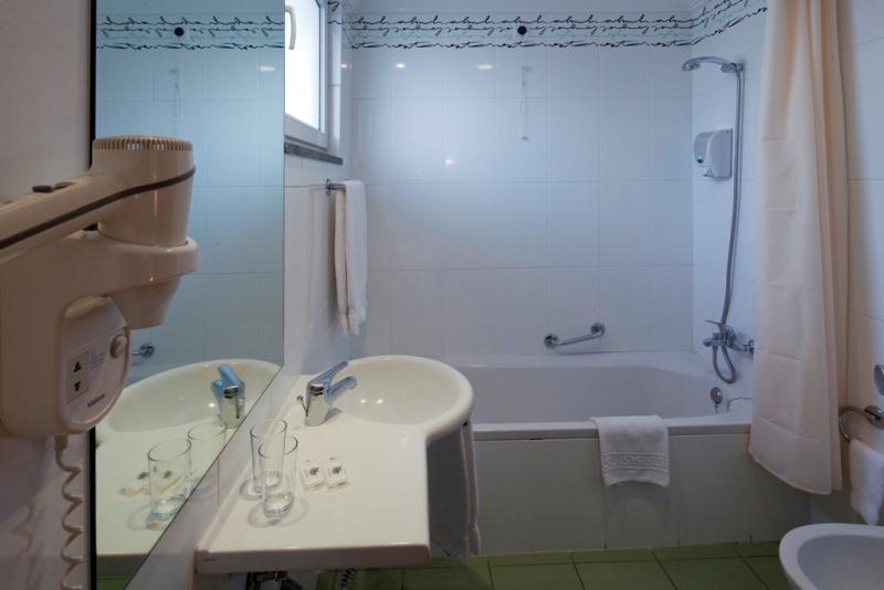 6 Koupelna v hotelu Orquidea, Funchal