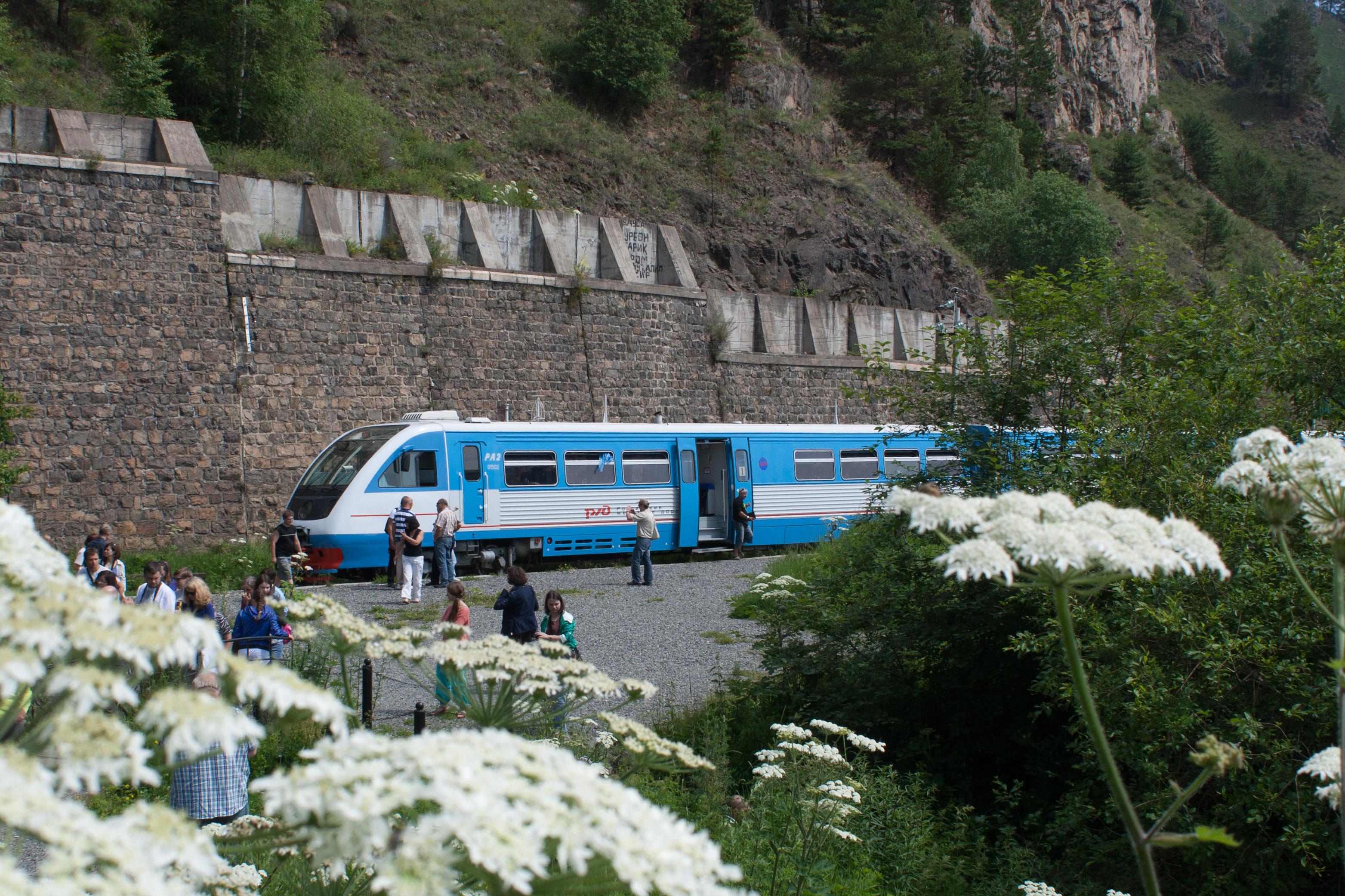 Bajkal - exkurzní vlak po Krugobajkalce