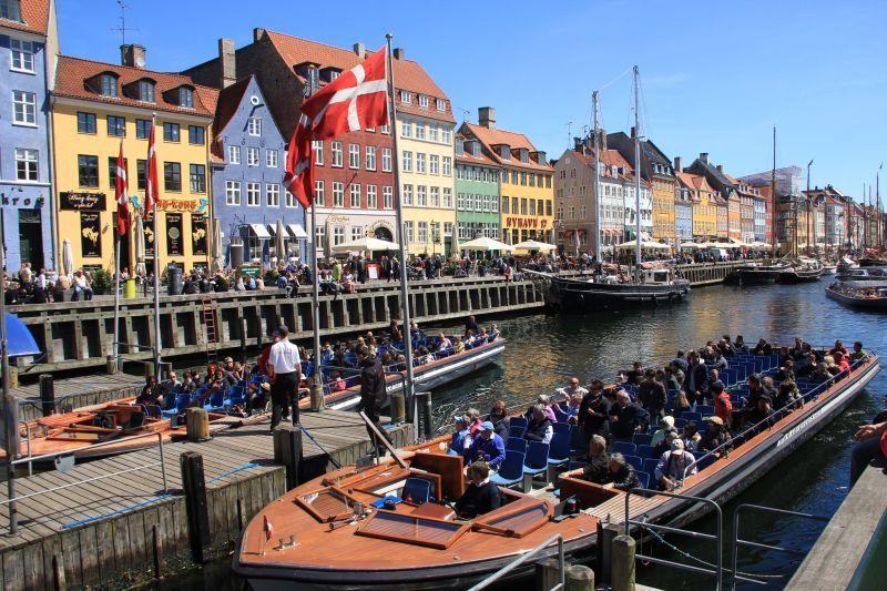 Barevná architektura říká, že je Kodaň pozitivním městem