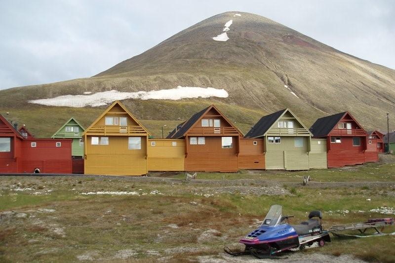 Barevné domky v Longyearbyenu