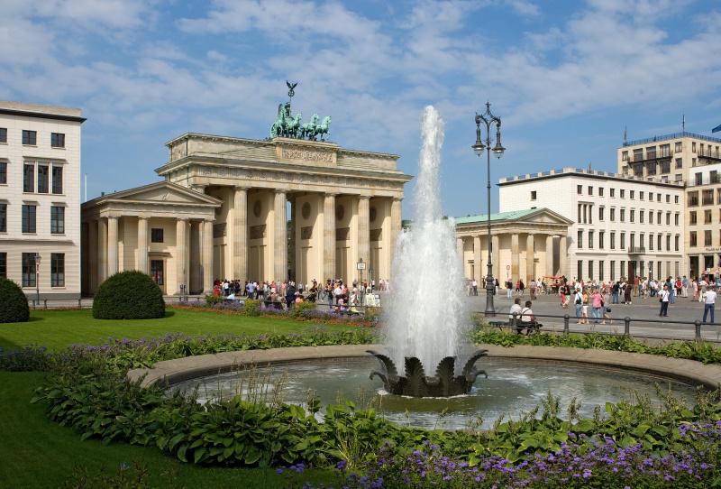 16-Evropa / Berlin - Brandenburská brána, symbol sjednocení