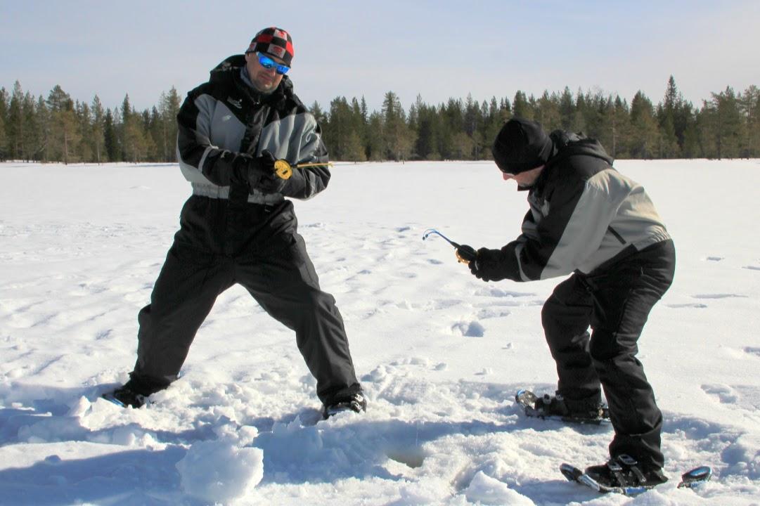 Chytání ryb na dírkách ve Finsku