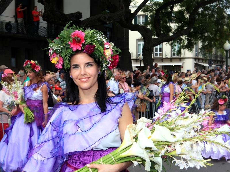 madeira-azory.cz / Květinové slavnosti ve Funchalu