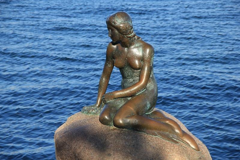 Malá mořská víla, socha na nábřeží