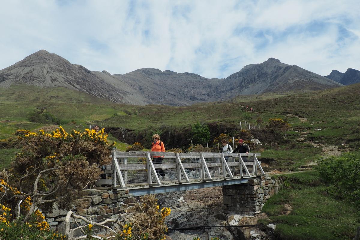 Most přes říčku v Cuillin Hills