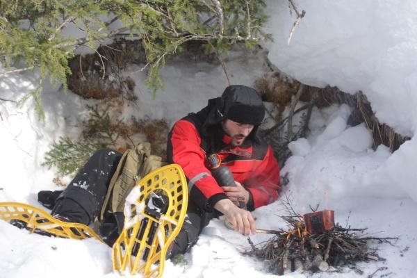 Cestovali svámi / Noid se vLaponsku uskutečnil výpravu na sněžnicích.