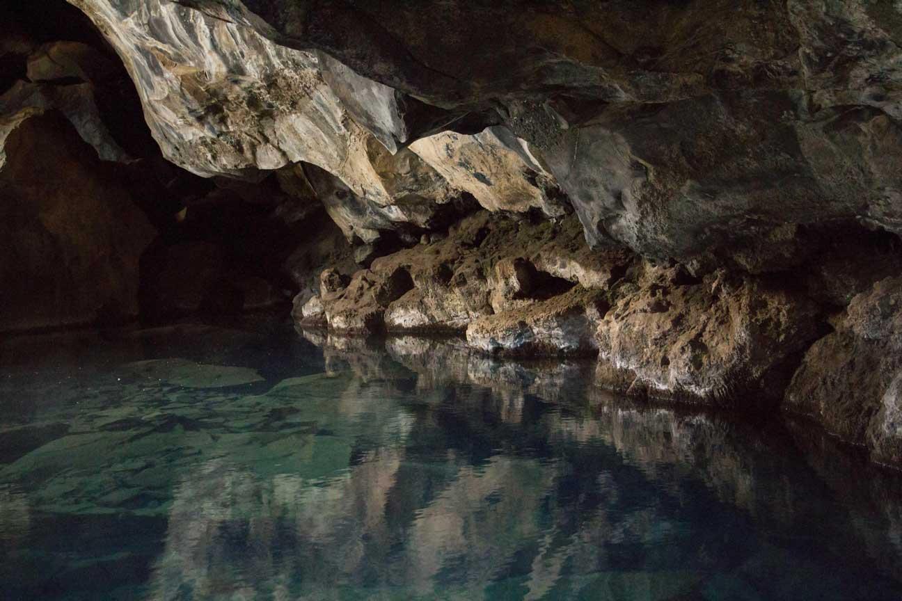 Podzemní horké jezírko v okolí jezera Mývatn