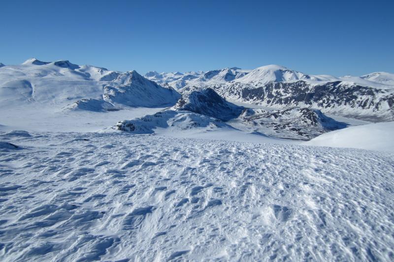 Pohled na NP Jotunheimen, dole jezero Gjende,