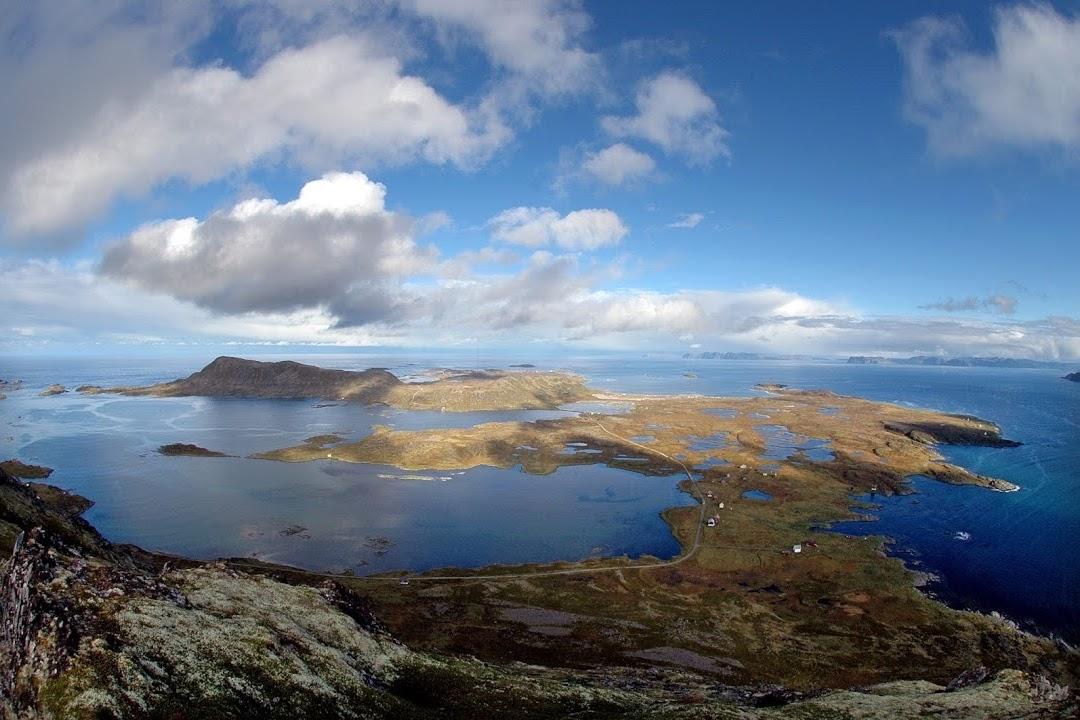 Pohled na ostrovy v norském kraji Finnmarka