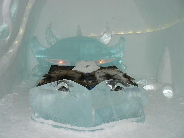 Pokoj nejvyšší úrovně - ledový hotel Jukasjarvi